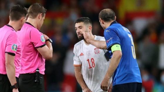 FIFA 22 desvela los mejores laterales de LaLiga y Jesús Navas está llorando en una esquina
