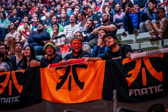 Fnatic sigue contando con la marea de fans. - League of Legends