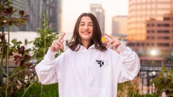 Fortnite: Ewok, la jugadora sorda de FaZe, abandona el club y hace pública su transidentidad