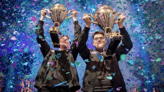 En 2018, la coronación de Aqua, Nyhrox y Cooler Esports en la Copa del Mundo de Fortnite. - Fortnite : Battle royale