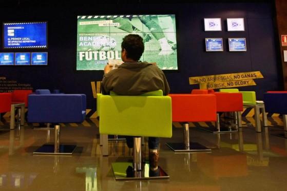 El nuevo gobierno de España trata de evitar la proliferación de la ludopatía (fotografía de la agencia Reuters) - Millenium