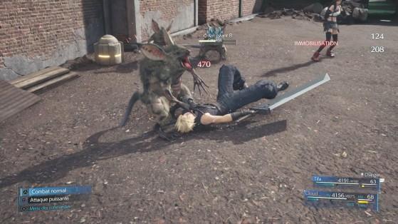 Enfrente, uno de los primeros enemigos del juego se enfrenta a un gran noobo. - Final Fantasy 7 Remake