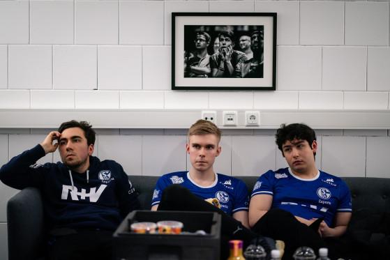 LoL: Schalke estaría estudiando la venta de su plaza LEC y estos son los interesados, según un rumor
